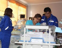 Niña prematura con malformación congénita es derivada al hospital de Salud del Niño en Lima.